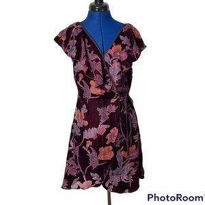 Band of Gypsies Faux Wrap Velvet Floral  M 2209